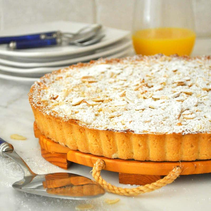 Галисийский миндальный пирог – Tarta de almendras – традиционный испанский десерт с цитрусово-коричным ароматом