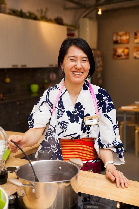 Японская кухня шеф-повар Аки Накагава
