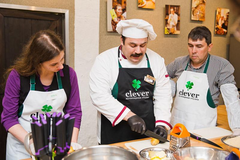 сербская кухня бурек и шницла с Глебом Астафьевым