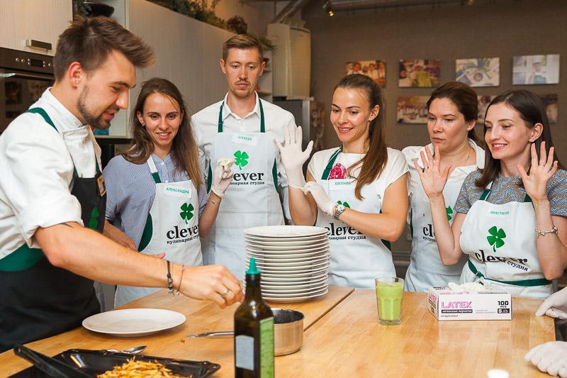 шеф-повар Сергей Кузнецов кулинарный мастер-класс в студии Clever