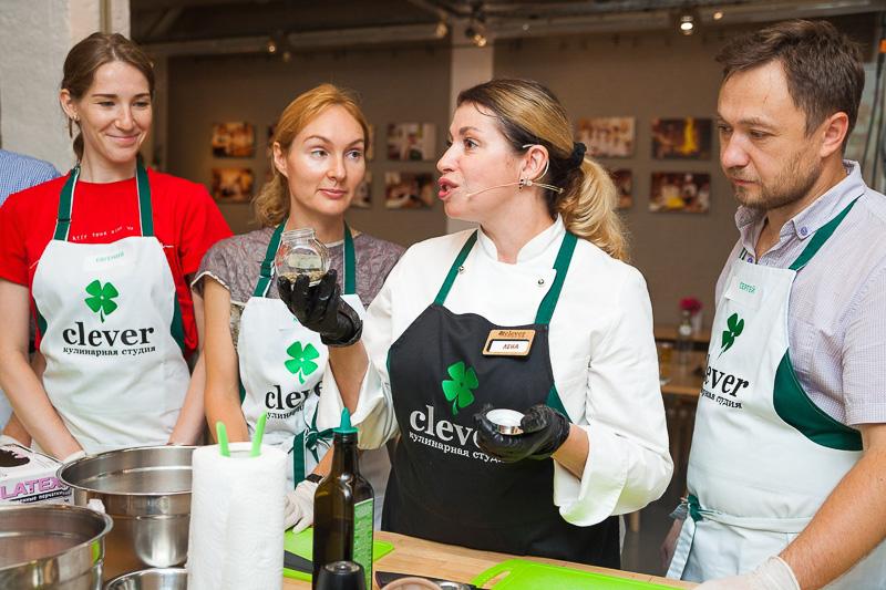 кулинарный мастер-класс греческой кухни с Леной Ярцевой и Олегом Кожемякиным