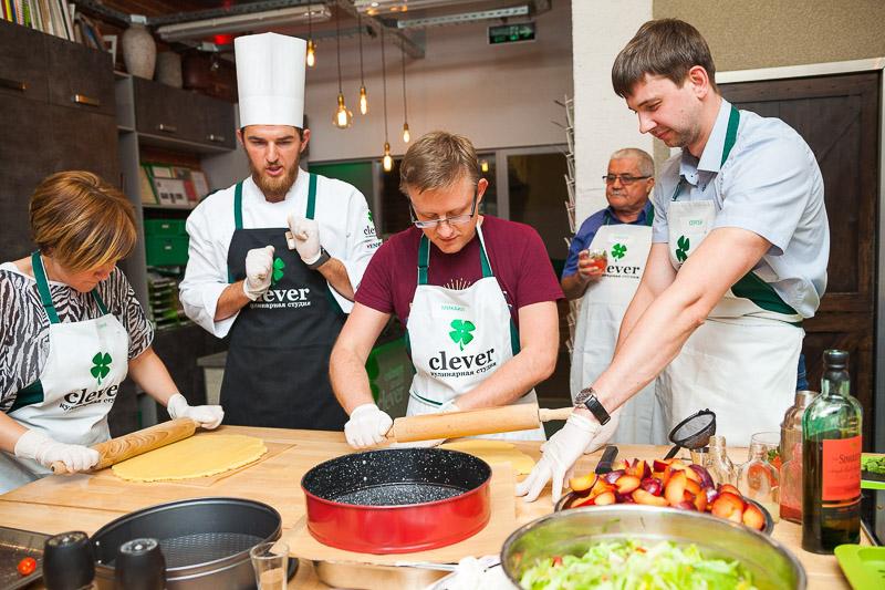 кулинарный мастер-класс в студии Clever бренд-шеф Фадеев Сергей