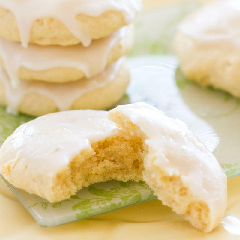 Традиционные итальянские миндальные печенья с лимонным кремом