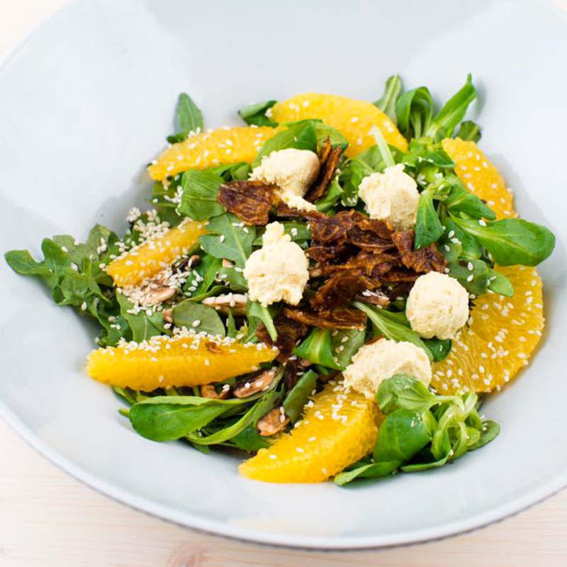 Orange salad - свежий салат с цитрусовыми нотками, шампиньонами и растительным сыром «Риккота»