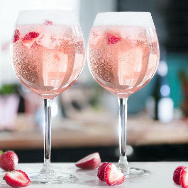 Pink&Spritz (Gordons Pink Gin, Lemonade, Prosecco, клубника)