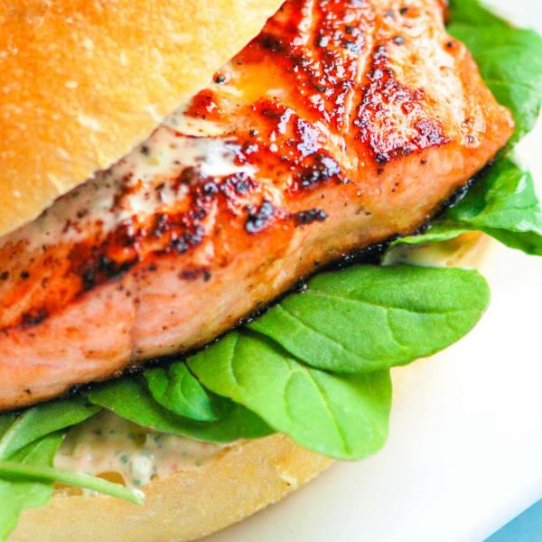 Дикий бургер из дикого лосося по авторскому рецепту